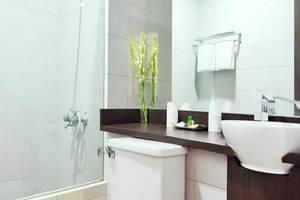 Cirebon Plaza Hotel Cirebon - Kamar mandi