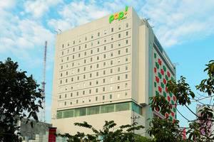 POP Hotel Gubeng - Bangunan hotel