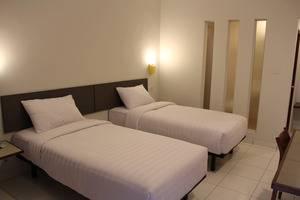 Hotel Koening Cirebon - Kamar Deluxe Twin