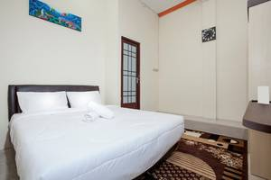 Mastrip Guesthouse Surabaya - Room