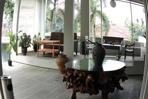 Rose Chamber Bed And Breakfast Bandung - Interior
