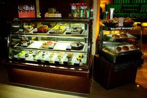 Grand Swiss-Belhotel Medan - Toko kue