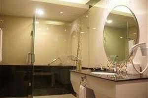 Balairung Hotel Jakarta - Kamar Mandi