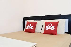 ZenRooms Karet Tengsin Jakarta - Tempat Tidur Double