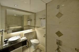 Gino Feruci Kebon Jati - Deluxe Bathroom