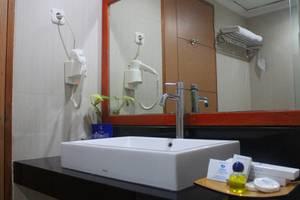 Grand Inna Tunjungan - Kamar mandi