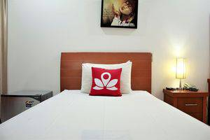 ZEN Rooms Setiabudi 15 Jakarta - Tampak tempat tidur