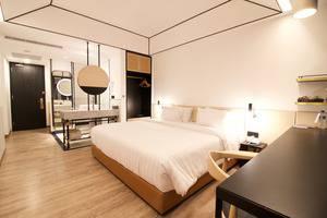 GAIA Cosmo Hotel Jogja - Deluxe Tempat Tidur King