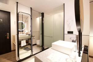 GAIA Cosmo Hotel Jogja - Kamar mandi