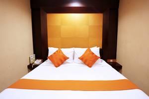 Istana Permata Ngagel Surabaya - Deluxe Room