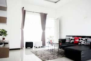 Mutiara Home Villa Garut - Living Room 3