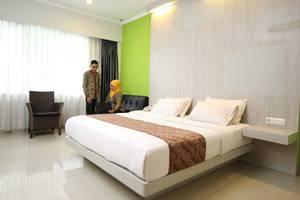 Dewanti Hotel Cirebon - Deluxe Room