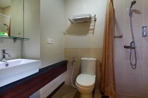 PRAJA Hotel Bali - Kamar mandi