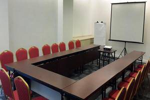 Zuri Express Mangga Dua - Meeting Room