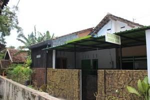 Kampoeng Pakis Inn Banyuwangi - Eksterior