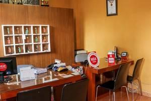 NIDA Rooms Palasari 32 Lengkong - Resepsionis