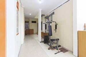 RedDoorz near TMP Kalibata Jakarta - Gym