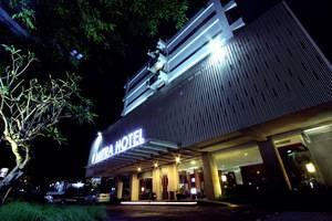 Hotel Mitra Bandung - Tampilan Luar Hotel