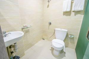 Nasa Hotel Batam - Bathroom