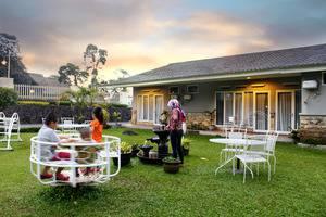 Hotel Ariandri Puncak Bogor - Environtment