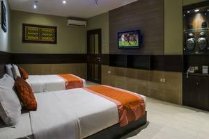 Dhanesvara Homestay Surabaya - kamar tidur