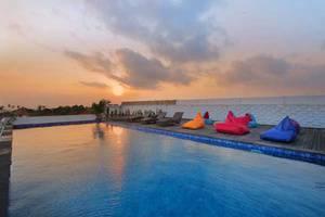 Koa D Surfer Hotel Bali - Kolam Renang