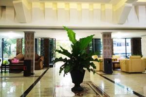 Benteng Hotel Padang - Lobi