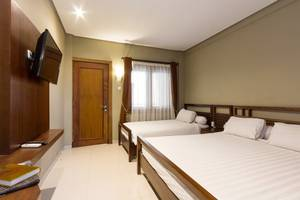 Hotel Adilla Syariah Ambarukmo Yogyakarta - family 2