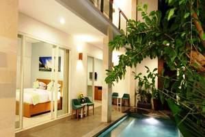 Apple Suite Apartment   - Kolam Renang