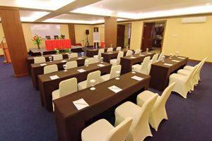 The Aliga Hotel Padang - meeting room