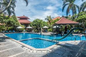 ZEN Premium Legian Benesari 3 Bali - Kolam Renang