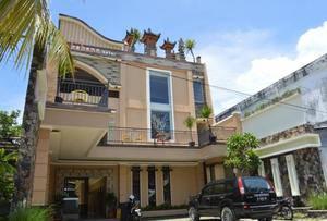 Kabana Hotel Mataram - Exterior