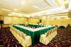 Rocky Plaza Hotel Padang - Meeting Room