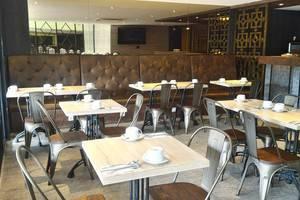 Arnava Mutiara Hotel Belitung Belitung - CAFE