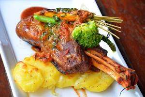 Kila Senggigi Beach Hotel Lombok - daging kambing
