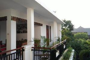Bening House And Spa