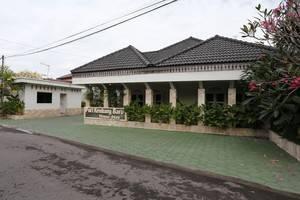 RedDoorz near Adisucipto Airport 2 Kembang Baru -