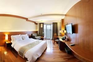 Oak Tree Emerald Semarang - kamar satu bed