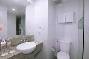 favehotel Kuta Kartika Plaza Bali - Bathroom