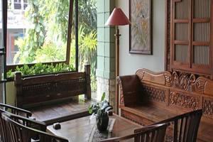 Hotel Winotosastro Garden Yogyakarta - Lobi
