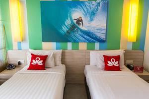 ZenRooms Legian Sriwijaya Surfer Bali - Tampak tempat tidur twin