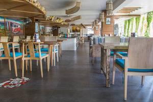 ZenRooms Legian Sriwijaya Surfer Bali - Restoran