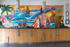 ZenRooms Legian Sriwijaya Surfer Bali - Resepsionis