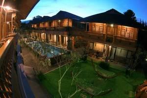 Hotel Pesona Bamboe Bandung - pool view