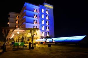 Maestro Hotel Kota Baru Pontianak - Exterior