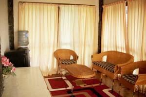 Villa Istana Bunga 2 Bedrooms Bandung - Villa Shinta