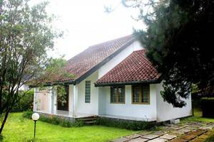 Villa Istana Bunga 2 Bedrooms Bandung - h1
