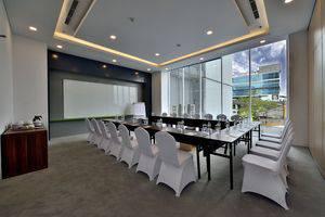 Whiz Hotel Sudirman Pekanbaru - Ruang Rapat