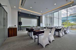 Whiz Hotel Sudirman Pekanbaru - Ruang Meeting