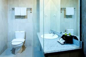 de Laxston Hotel  Yogyakarta - KAMAR MANDI